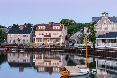 0a4f001c4e0d96d03df4df4cec4b0b36--nantucket-cottage-beach-cottages