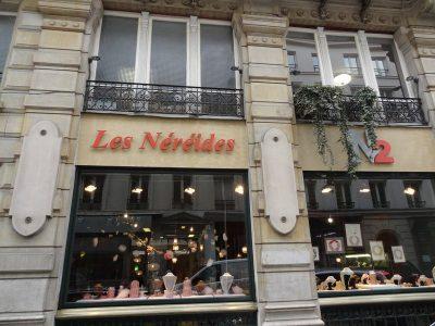 Les Nereides, Paris